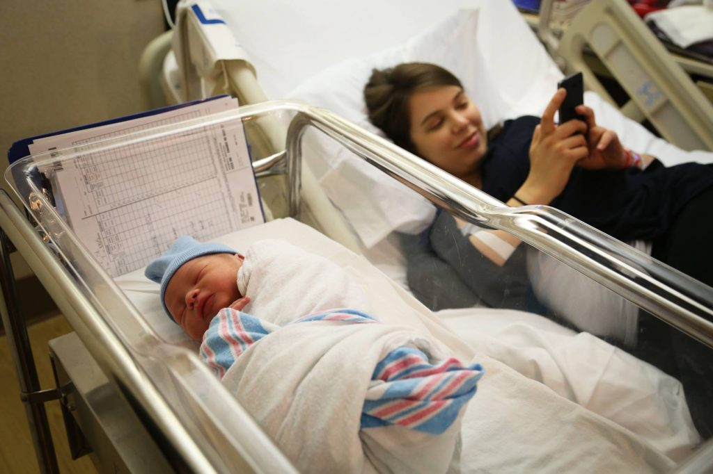 How Do You Decide Between Midwife vs. OB GYN for the Best Prenatal Care?