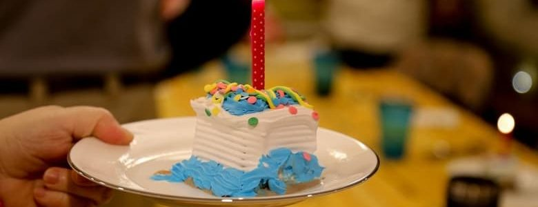 Birthday traditions for kids - 10 fun and easy ways to make your kids feel special on their birthday without huge parties or tons of gifts #birthdaytraditions