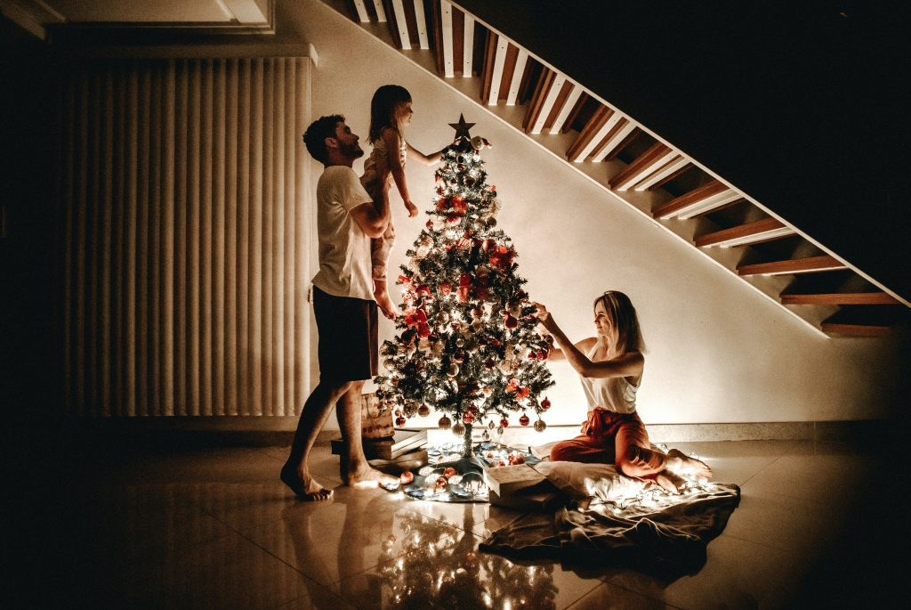 Christmas scavenger hunt ideas for a fun holiday