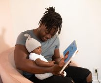How to Promote Father Baby Bonding When Baby Cries With Dad