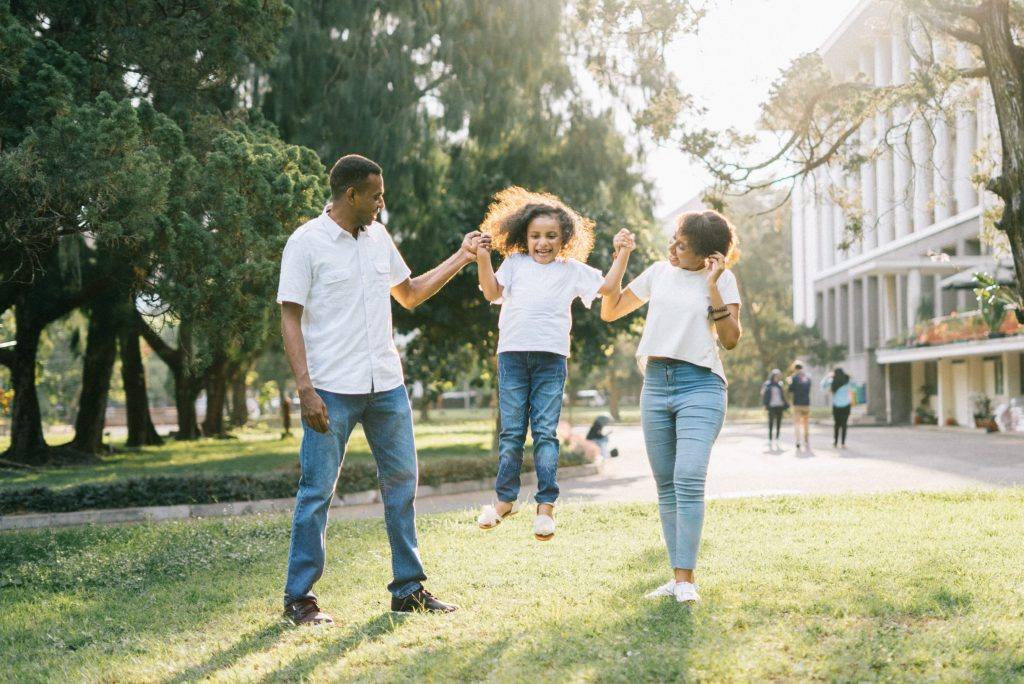 How to Start a Family Health Challenge with these Healthy Habits for Kids