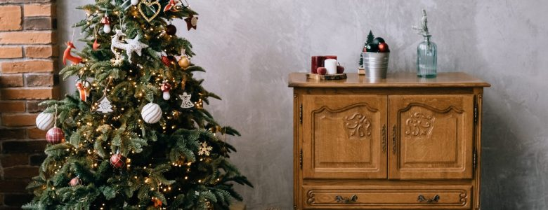 8 Festive and Kid-Friendly 'What to Do With an Old Christmas Tree' Ideas